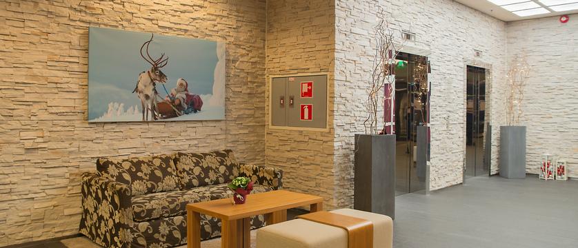 Lapland_Levi_HotelPanorama_LobbyChristmas.jpg
